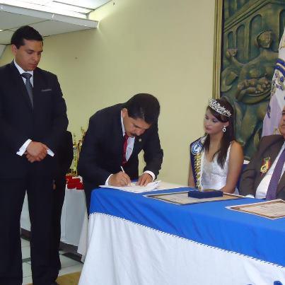 Bolivariano Firmo Convenio con La Camara De Comercio de Loja