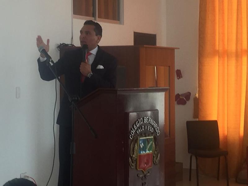 Bernardinos participaron en conferencia sobre emprendimiento