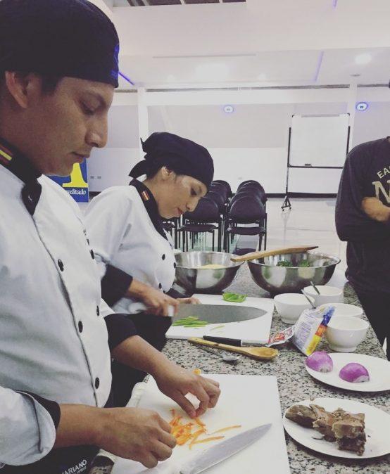 ITSB DICTA CURSO DE COCINA ECUATORIANA