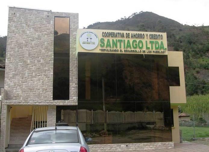 """FIRMA DE CONVENIO INSTITUTO BOLIVARIANO Y COOP. DE AHORRO Y CRÉDITO """"SANTIAGO"""" LTDA."""