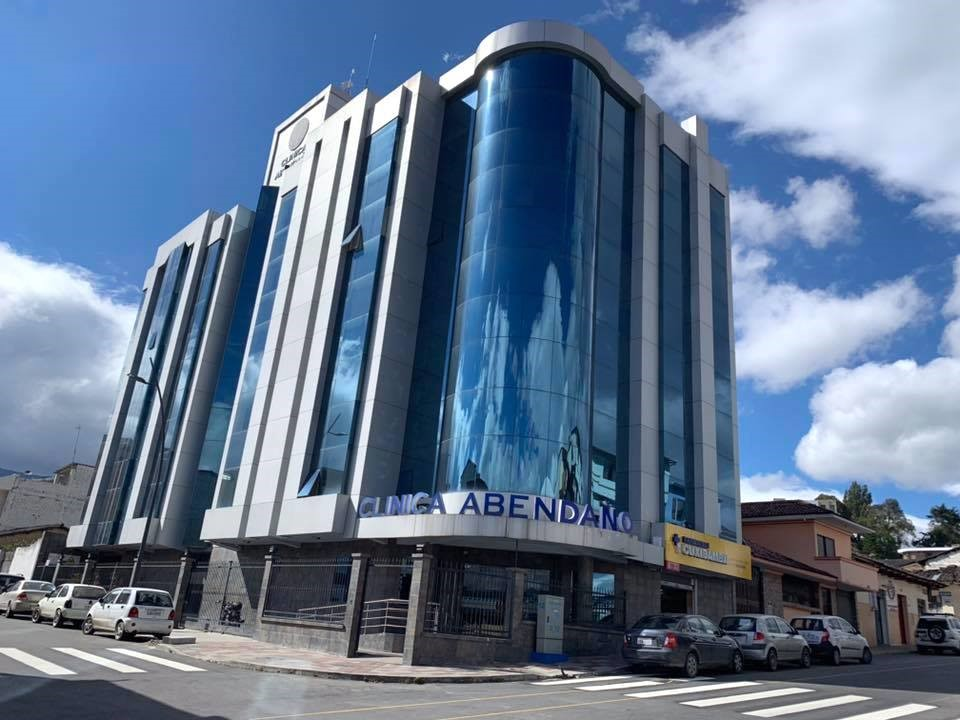 CONVENIO DE COOPERACIÓN INTERINSTITUCIONAL ENTRE EL INSTITUTO BOLIVARIANO Y LA CLÍNICA ABENDAÑO