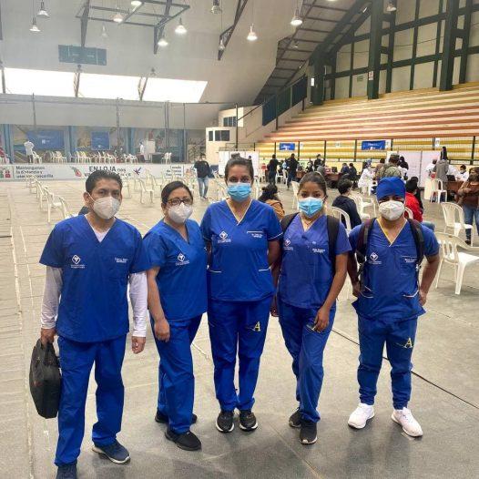 Estudiantes del Bolivariano participan del programa de vacunación anti Covid